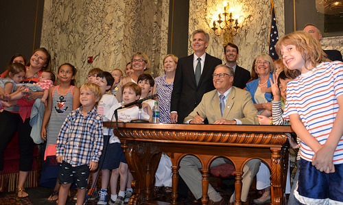 The Early Start Act was signed into law by Governor Jay Inslee as legislators, stakeholders, advocates, parents and children gathered to celebrate this glorious moment!